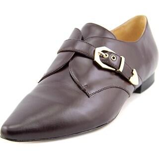 Pour La Victoire Zandra Women Wingtip Toe Leather Loafer