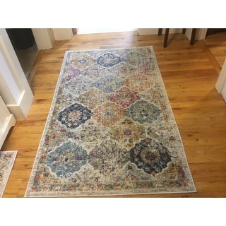 "Safavieh Madison Avery Boho Vintage Cream/ Multi Distressed Rug - 2'3"" x 6'"