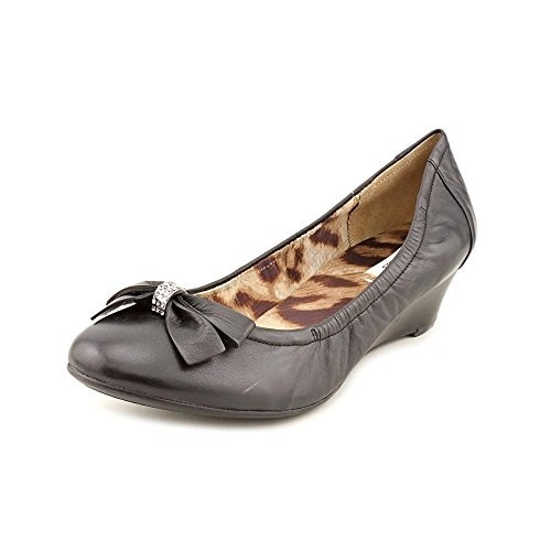 GUESS Womens LARKA Leather Closed Toe Casual Platform Sandals