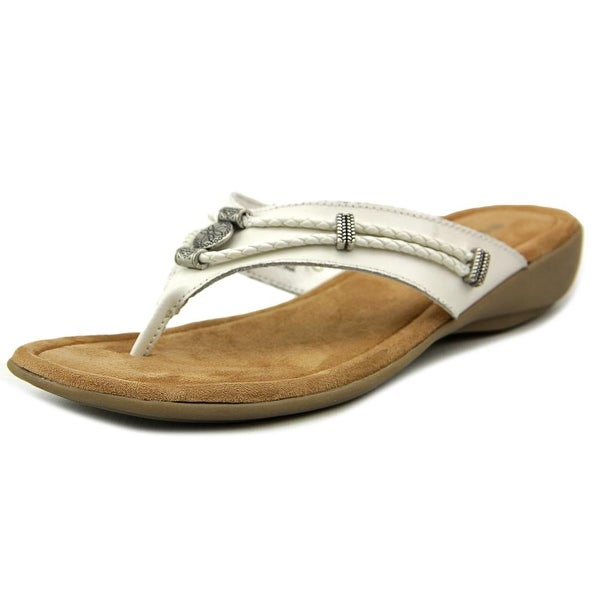 Minnetonka Silverthorne Women White Sandals