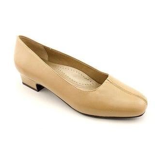Trotters Doris Women N/S Square Toe Synthetic Beige Heels