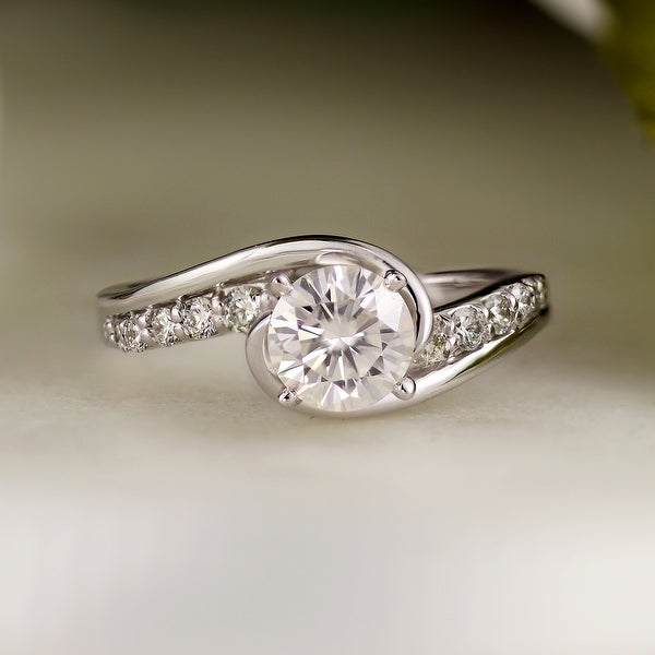 Auriya 14k Gold 1ctw Modern Moissanite and Diamond Engagement Ring 1/4ctw. Opens flyout.