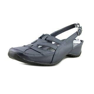 Bellini Wynn Round Toe Leather Loafer https://ak1.ostkcdn.com/images/products/is/images/direct/3e1bb4f856fbfaaafc18de3a71d149a401bc963b/Bellini-Wynn-Women-Round-Toe-Leather-Blue-Loafer.jpg?impolicy=medium