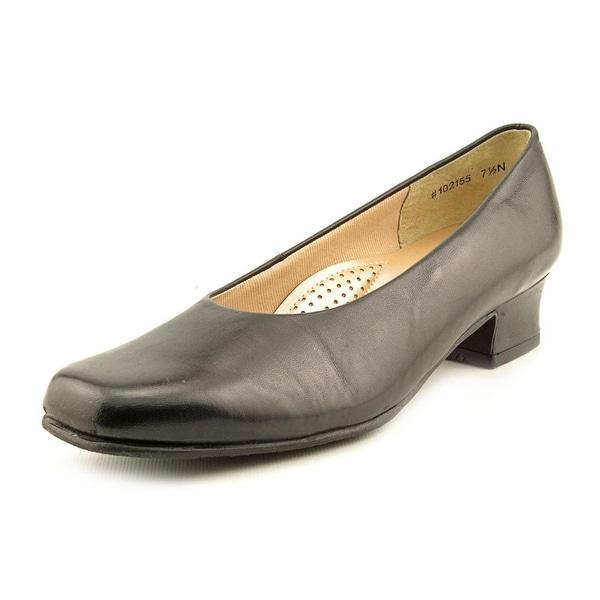 Mark Lemp By Walking Cradles Callie Square Toe Leather Heels
