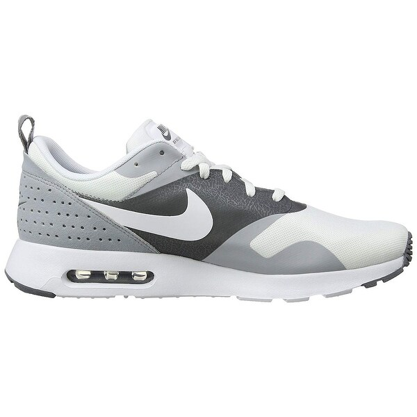 promo code 66847 1720e Nike Mens Air Max Tavas Low Top Lace Up Running Sneaker