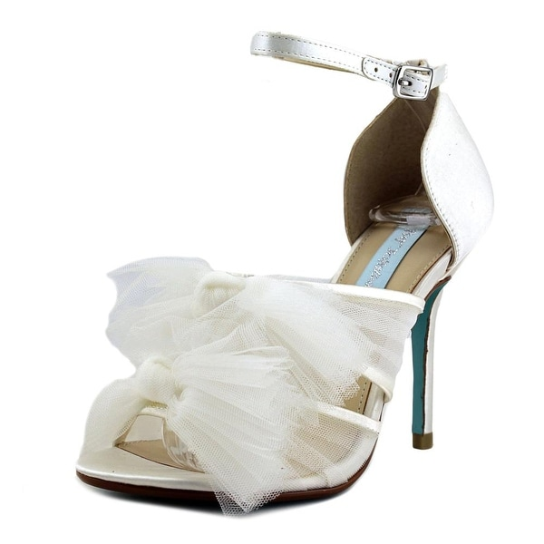 Betsey Johnson Big Women Ivory Sandals