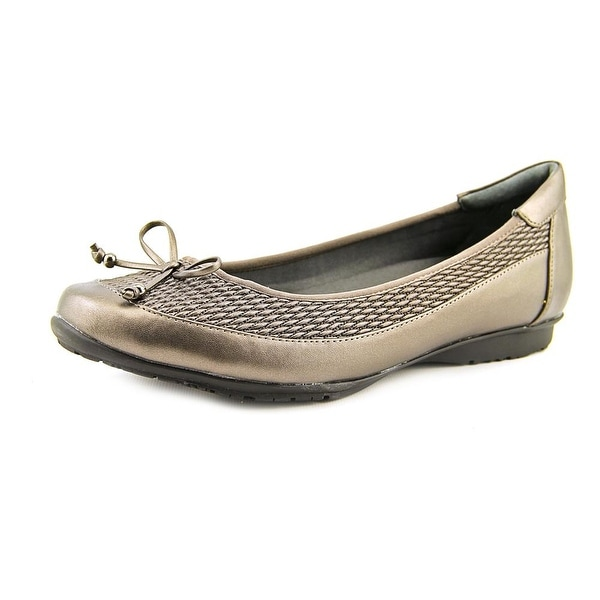 FootSmart Kathleen Women WW Round Toe Leather Flats