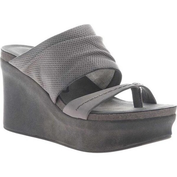 771164ede70 Shop OTBT Women s Tailgate Heeled Sandal Zinc Leather - Free Shipping Today  - Overstock.com - 20747134