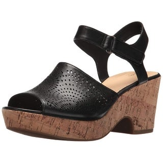 1d0d46f9e60 Shop Clarks Womens Maritsa Nila Leather Peep Toe Casual Platform Sandals -  Free Shipping Today - Overstock - 23529870