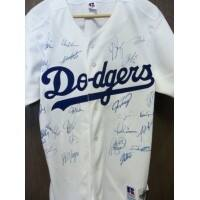 Signed Dodgers Los Angeles 2004 Authentic Russell Los Angeles Dodgers Jersey size 44 by the 2004 Te|https://ak1.ostkcdn.com/images/products/is/images/direct/3f8bf4d18ad28b3f164b53682ecf5dd57cae344c/Signed-Dodgers-Los-Angeles-2004-Authentic-Russell-Los-Angeles-Dodgers-Jersey-size-44-by-the-2004-Te.jpg?impolicy=medium