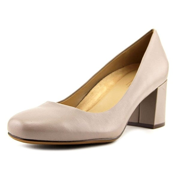 Naturalizer Womens Whitney Leather Closed Toe Classic Pumps