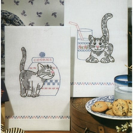 "Stamped Kitchen Towels For Embroidery 17""X30"" 2/Pkg-Kittens"