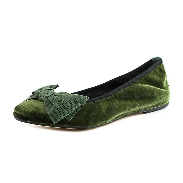 Ilenia P. Velluto Round Toe Synthetic Flats