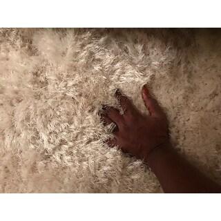 Safavieh Handmade Luxe Shag Bahija Solid Polyester Rug