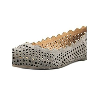 Me Too Womens Carlee Flats Cut-Out Scallop