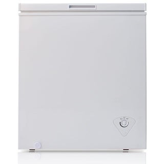 Arctic King BWC1047 29 Inch Wide 5.0 Cu. Ft. Chest Freezer with Removable Storage Basket - White