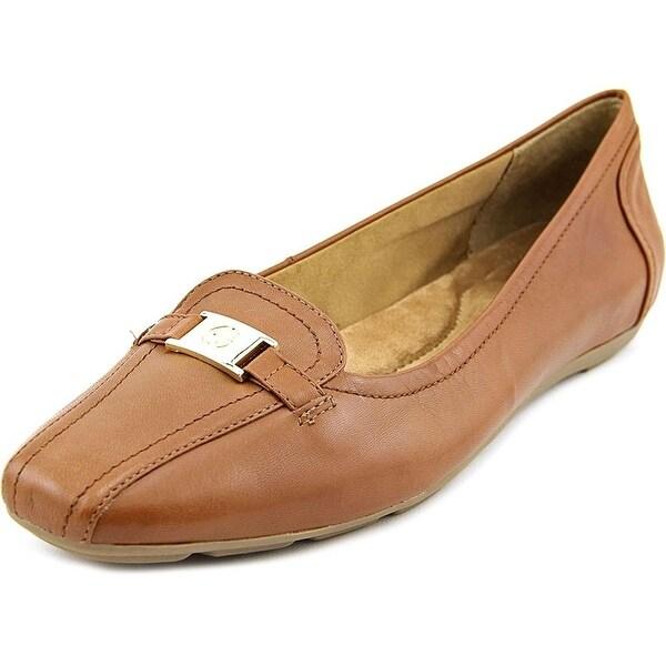 Giani Bernini Jileese Women Brown Loafer