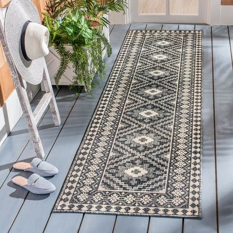 SAFAVIEH Veranda Eyvor Indoor/ Outdoor Patio Backyard Rug