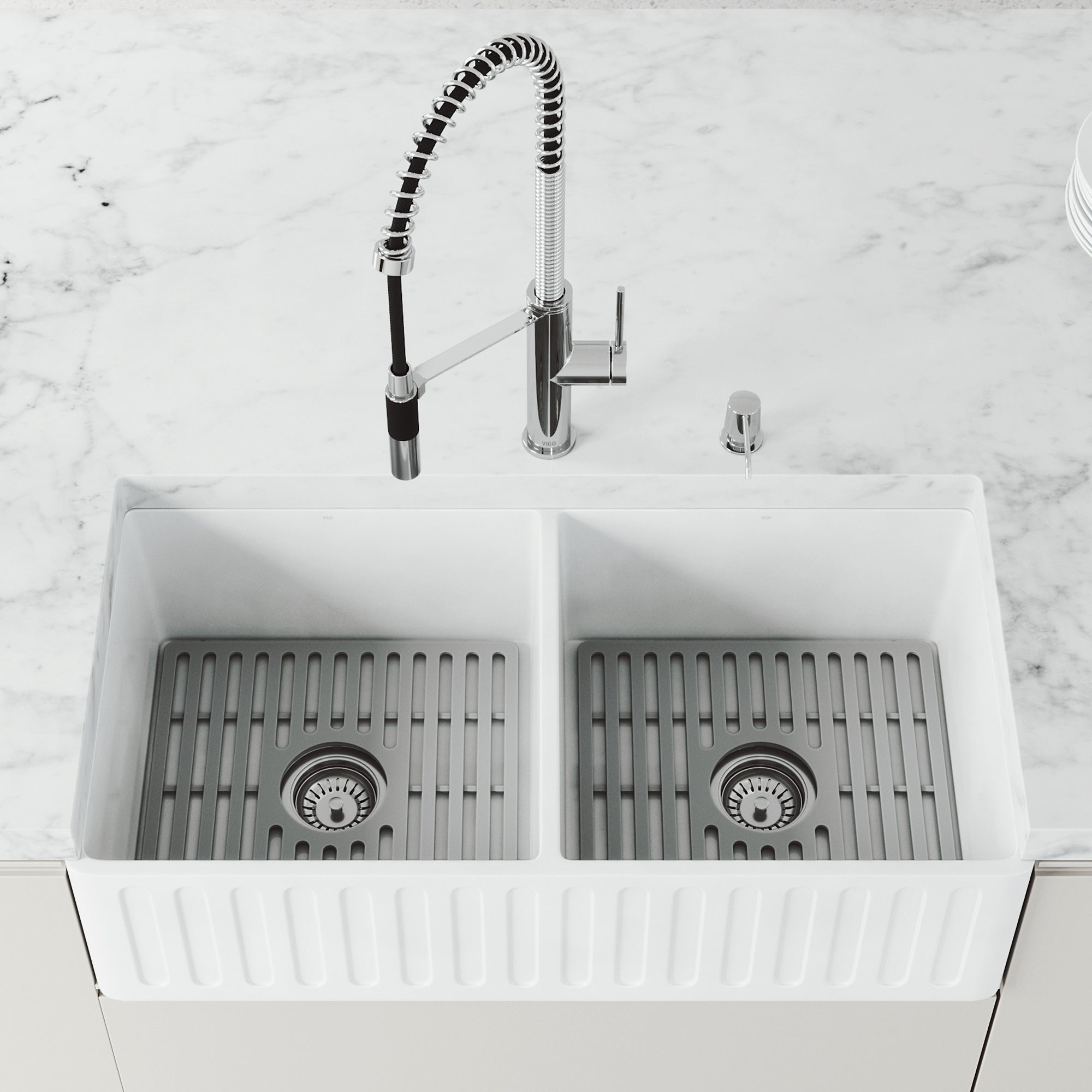 Matte Stone White Reversible Double Basin Kitchen Sink Set Grids Overstock 30893399 18 L X 33 W X 9 62 H