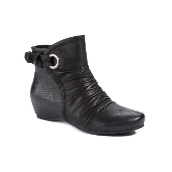 Baretraps Salie Women's Boots Black Microfiber