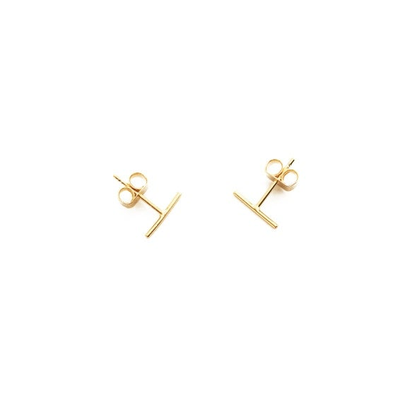 HONEYCAT Small Wire Middle Bar Stud Earrings (Delicate Jewelry)