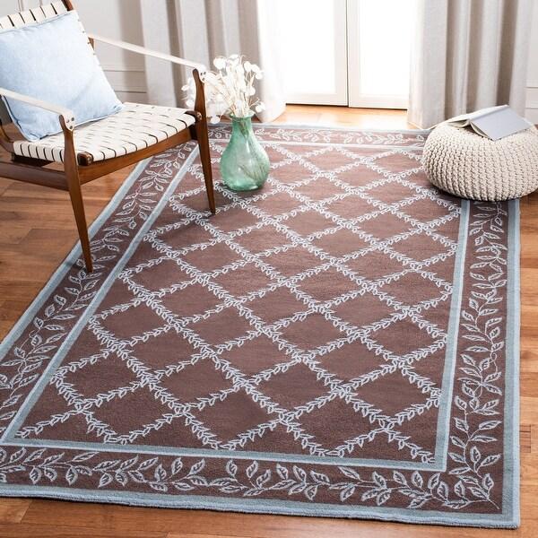 Safavieh Hand-hooked Chelsea Kimber Country Oriental Trellis Wool Rug. Opens flyout.