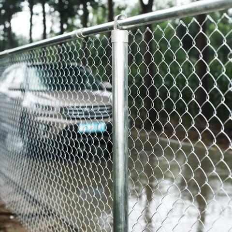 ALEKO Galvanized Steel Chain Link Fence 4X50 Feet Complete Kit