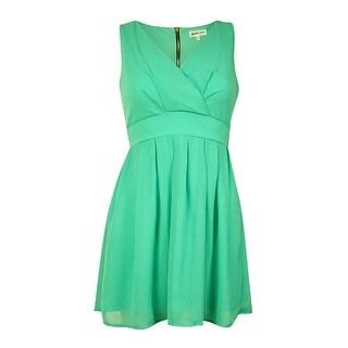 Emerald Sundae Juniors' V-Neck Belted Chiffon Dress (3, Mint)