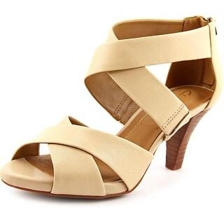 Clarks Florine Sashae Women Open Toe Leather Nude Sandals