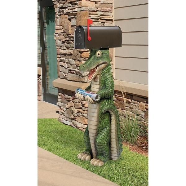 Design Toscano Postal Gator Mail Post Sleeve Statue