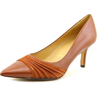 Trotters Alexandra N/S Pointed Toe Leather Heels
