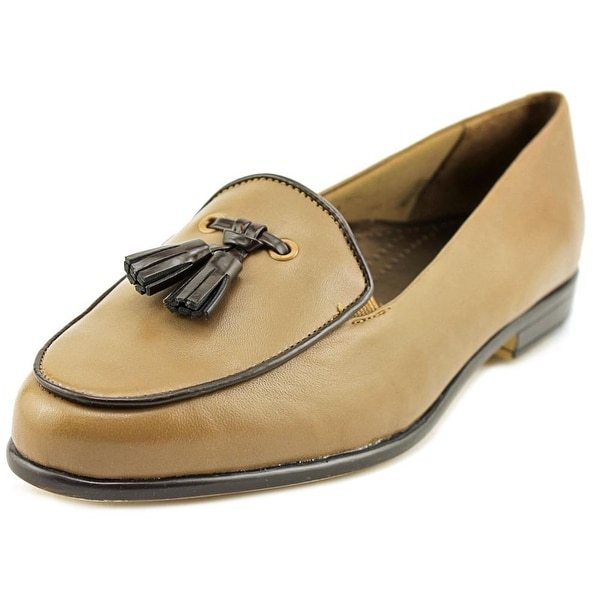 Trotters Leana Women N/S Round Toe Leather Nude Loafer