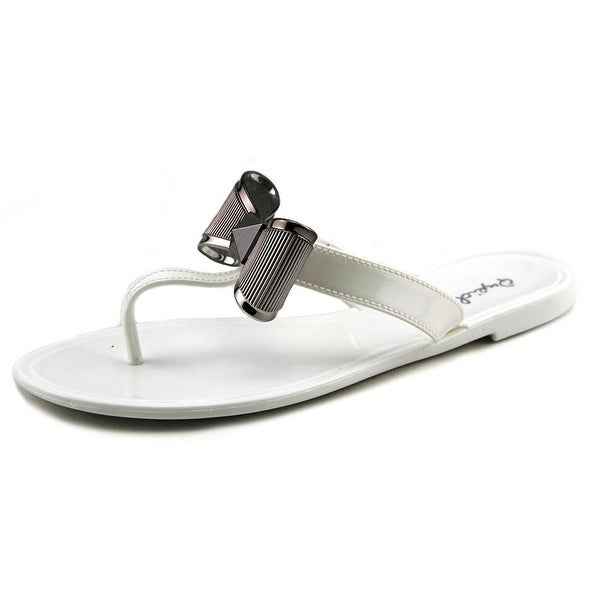 Qupid Getty 04A Women Open Toe Synthetic White Thong Sandal