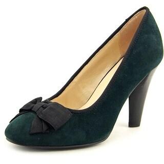 Isaac Mizrahi Samantha Women Round Toe Suede Heels