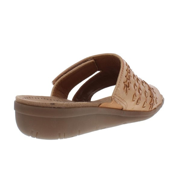BareTraps Womens Jeaney Faux Leather Slip On Wedge Sandals