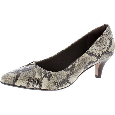 Clarks Collection Women's Linvale Crown Leather Pointed Toe Kitten Heel Pump