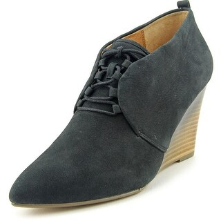 Nina Angeline Black Sandals