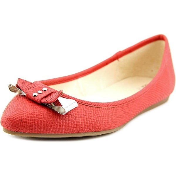 Bar III Penguin Pointed Toe Synthetic Flats