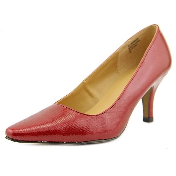 Karen Scott Clancy Women Red Pumps