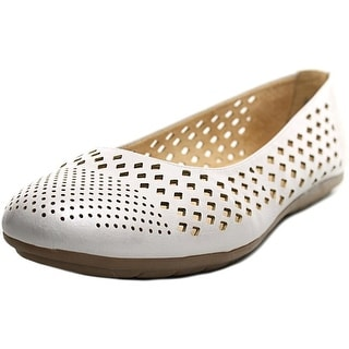 Naturalizer Uncover Women W Round Toe Synthetic Ivory Flats