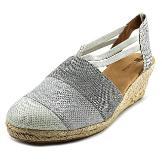 White Mountain Supreme W Round Toe Canvas Espadrille