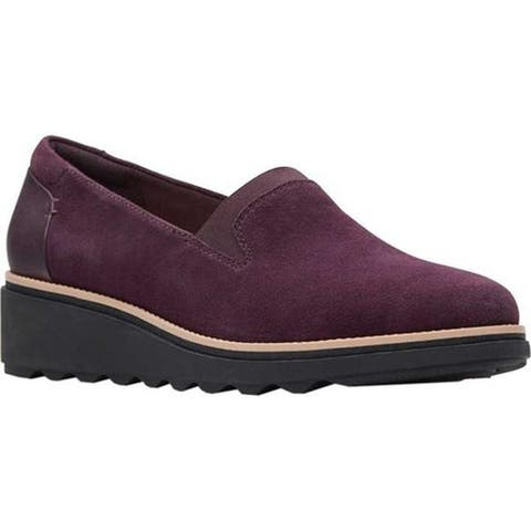 Clarks Women's Sharon Dolly Loafer Aubergine Suede