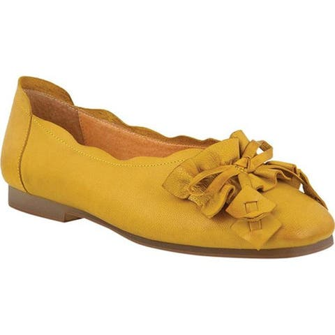 L'Artiste by Spring Step Women's Louisa Ballet Flat Yellow Leather