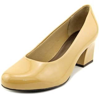 Trotters Candela Women WW Round Toe Patent Leather Nude Heels