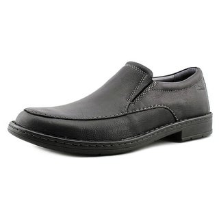Clarks Kyros Free Round Toe Leather Loafer