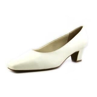 Life Stride Jade Women Round Toe Synthetic White Heels (Option: 4)