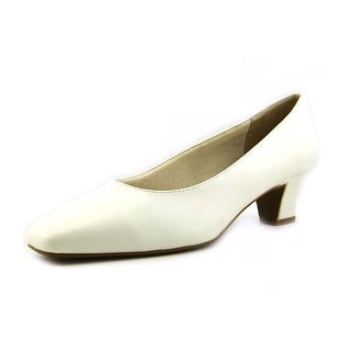 Life Stride Jade Women 3A Round Toe Synthetic White Heels