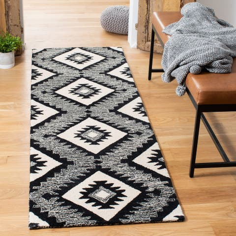 Safavieh Handmade Aspen Milojka Bohemian & Eclectic Tribal Wool Rug