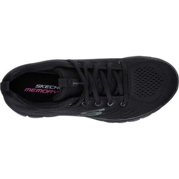 Personal conciencia Los invitados  Shop Skechers Women's Graceful Get Connected Trainer Black/Black -  Overstock - 14519213
