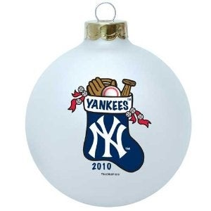 New York Yankees 2010 Round Glass Painted Stocking Ornament